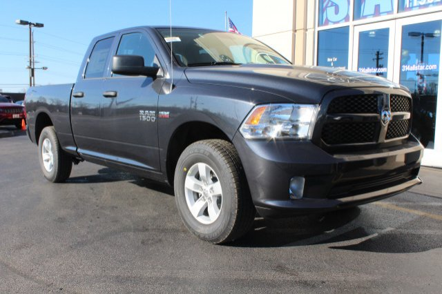 2018 Ram 1500 Quad Cab 4x4 Pickup #R181019 - photo 3