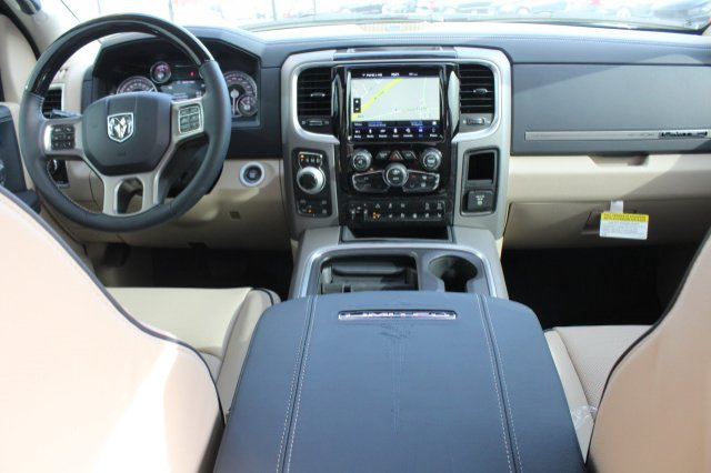 2018 Ram 1500 Crew Cab 4x4, Pickup #R181020 - photo 5