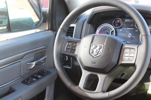 2018 Ram 1500 Crew Cab 4x4, Pickup #R181022 - photo 6