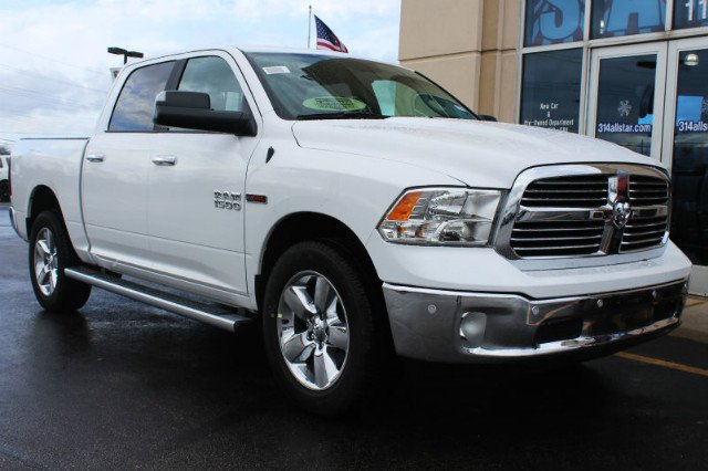 2017 Ram 1500 Crew Cab 4x4 Pickup #R181035 - photo 3