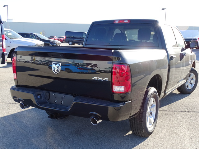 2017 Ram 1500 Crew Cab 4x4 Pickup #D6622 - photo 6