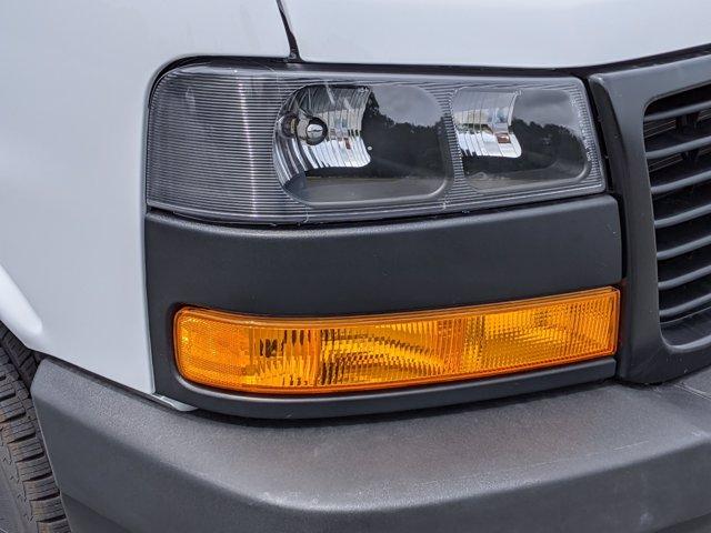 2020 GMC Savana 3500 RWD, J&B Truck Body Cutaway Van #G10070 - photo 10