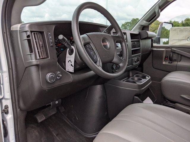 2020 GMC Savana 3500 RWD, J&B Truck Body Cutaway Van #G10070 - photo 16