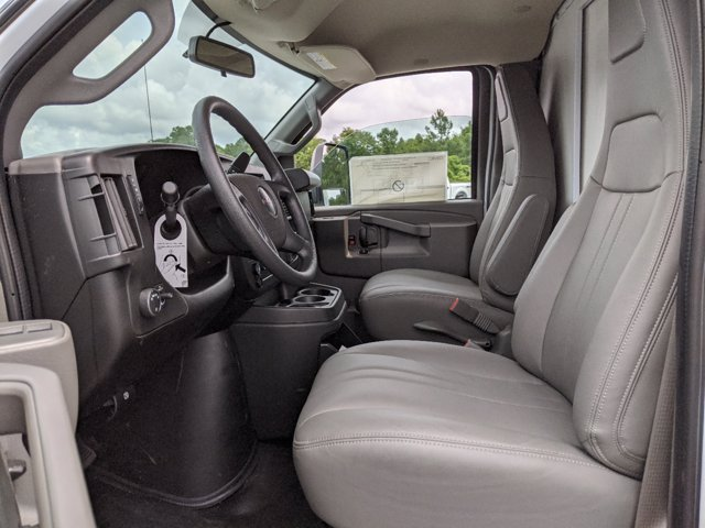 2020 GMC Savana 3500 RWD, J&B Truck Body Cutaway Van #G10070 - photo 17