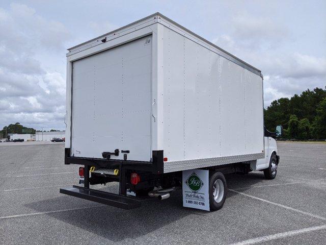 2020 GMC Savana 3500 RWD, J&B Truck Body Cutaway Van #G10070 - photo 1