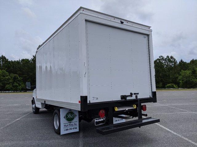 2020 GMC Savana 3500 RWD, J&B Truck Body Cutaway Van #G10070 - photo 6