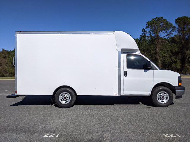 2021 GMC Savana 3500 4x2, Supreme Spartan Cargo Cutaway Van #G10410 - photo 4