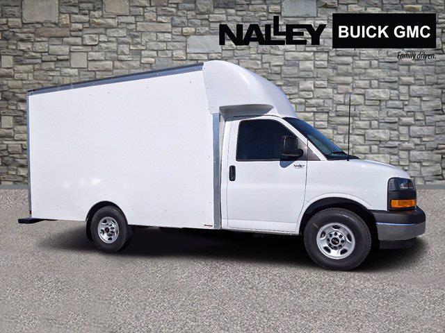 2021 GMC Savana 3500 4x2, Supreme Cutaway Van #G10412 - photo 1