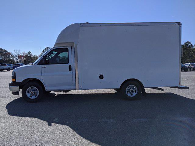 2021 GMC Savana 3500 4x2, Supreme Spartan Cargo Cutaway Van #G10412 - photo 7