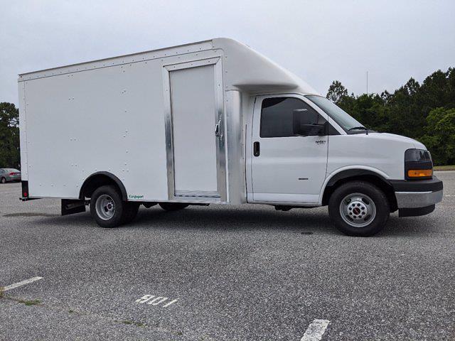 2021 GMC Savana 3500 4x2, Rockport Cargoport Cutaway Van #G10449 - photo 3