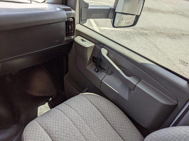 2021 GMC Savana 3500 4x2, Rockport Cargoport Cutaway Van #G10451 - photo 17