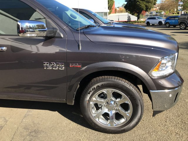 2017 Ram 1500 Crew Cab 4x4 Pickup #D170155 - photo 3
