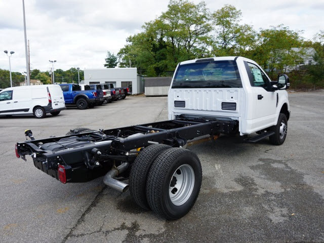 2017 F-350 Regular Cab DRW 4x4 Cab Chassis #SF28593 - photo 2