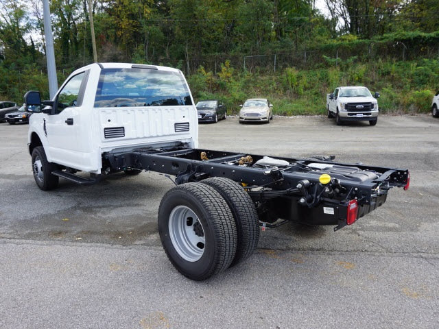 2017 F-350 Regular Cab DRW 4x4 Cab Chassis #SF28593 - photo 5