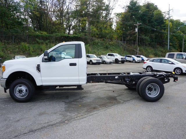 2017 F-350 Regular Cab DRW 4x4 Cab Chassis #SF28593 - photo 6