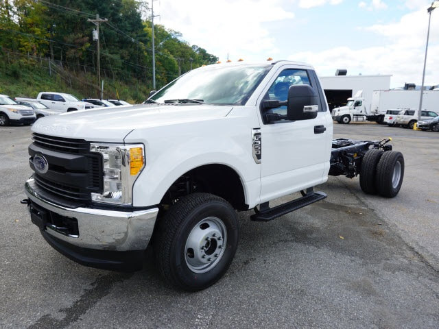 2017 F-350 Regular Cab DRW 4x4 Cab Chassis #SF28593 - photo 7