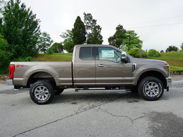 2018 F-250 Super Cab 4x4,  Pickup #SF29078 - photo 3
