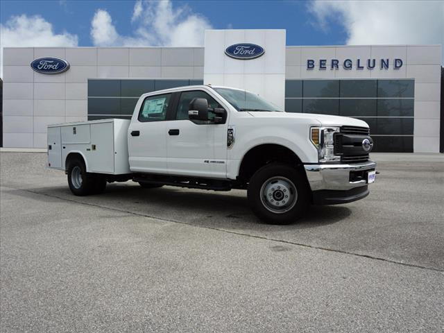 2018 F-350 Crew Cab DRW 4x4,  Reading Service Body #SF29203 - photo 3