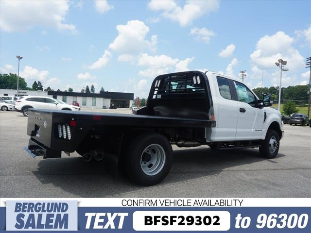 2018 F-350 Super Cab DRW 4x4,  Freedom Rodeo Platform Body #SF29302 - photo 2