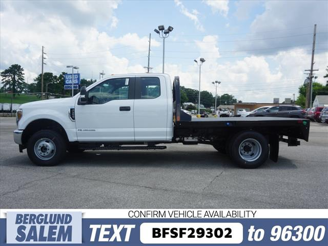 2018 F-350 Super Cab DRW 4x4,  Freedom Rodeo Platform Body #SF29302 - photo 6