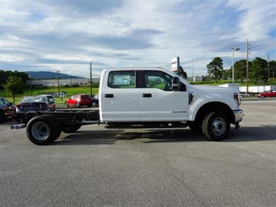 2018 F-350 Crew Cab DRW 4x4,  Cab Chassis #SF29381 - photo 4