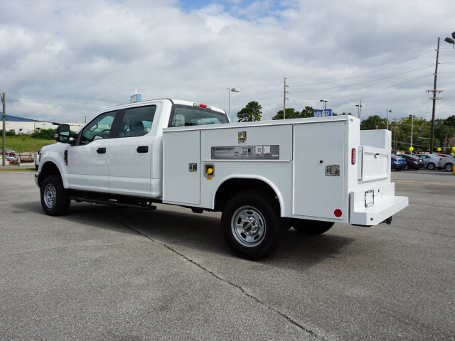 2018 F-250 Crew Cab 4x4,  Reading SL Service Body #SF29471 - photo 4