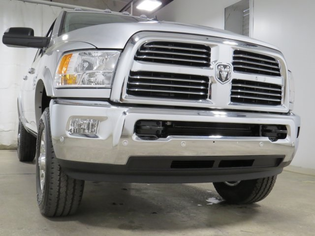 2017 Ram 2500 Crew Cab 4x4, Pickup #HG634592 - photo 3
