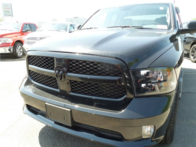 2018 Ram 1500 Quad Cab 4x4,  Pickup #102673 - photo 3