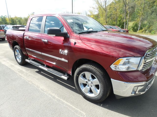 2017 Ram 1500 Crew Cab 4x4 Pickup #1D77114 - photo 3