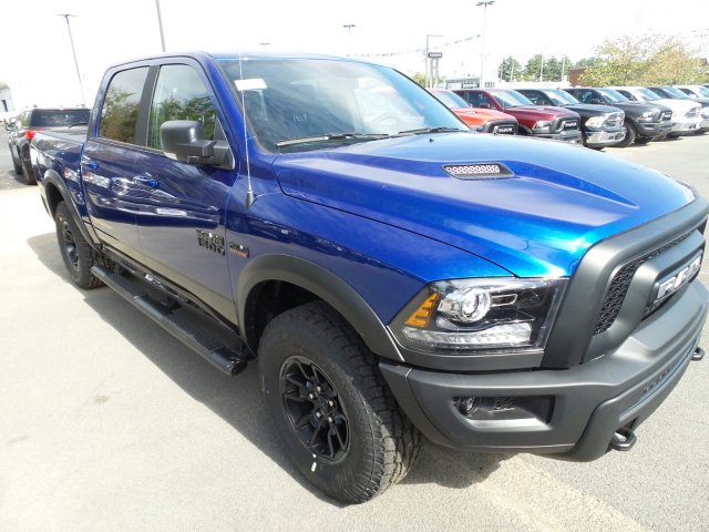 2018 Ram 1500 Crew Cab 4x4 Pickup #1D87029 - photo 3
