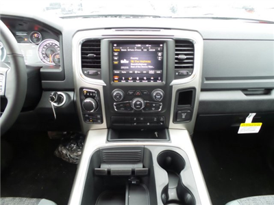2018 Ram 1500 Crew Cab 4x4, Pickup #1D87216 - photo 10