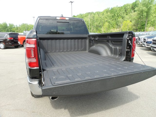 2019 Ram 1500 Crew Cab 4x4,  Pickup #1D97016 - photo 7