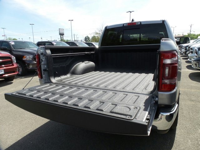 2019 Ram 1500 Crew Cab 4x4,  Pickup #1D97018 - photo 6