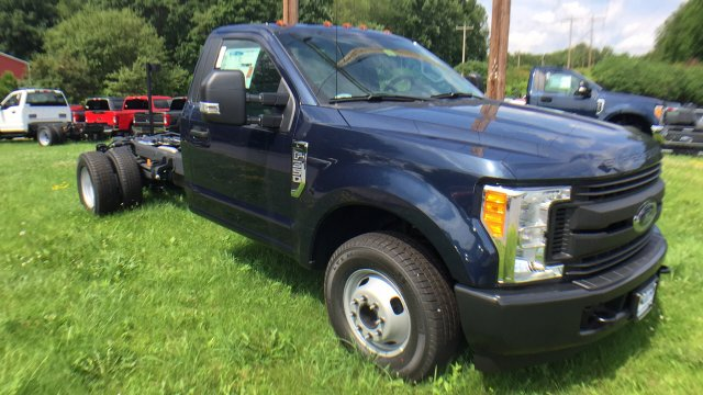 2017 F-350 Regular Cab DRW, Cab Chassis #Y177200 - photo 4