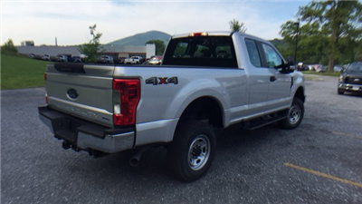 2017 F-250 Super Cab 4x4 Pickup #Y177291 - photo 5