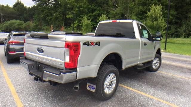 2017 F-350 Regular Cab 4x4, Ford Pickup #Y177296 - photo 5