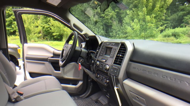 2017 F-250 Regular Cab 4x4, Pickup #Y177301 - photo 25