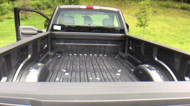 2017 F-250 Regular Cab 4x4, Pickup #Y177301 - photo 28