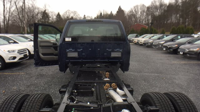 2017 F-350 Regular Cab DRW Cab Chassis #Y177323 - photo 25