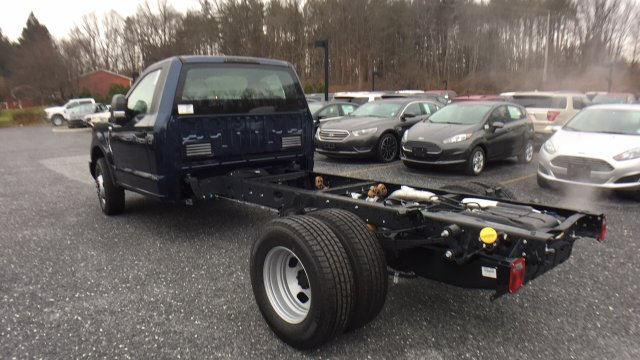 2017 F-350 Regular Cab DRW Cab Chassis #Y177323 - photo 2