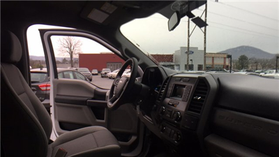 2017 F-250 Crew Cab 4x4, Pickup #Y177355 - photo 23