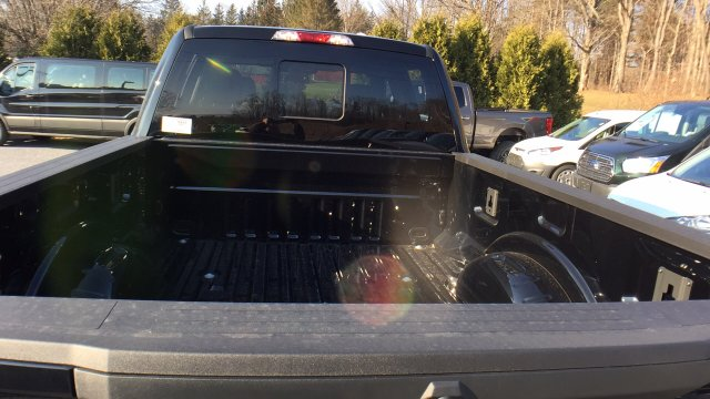 2017 F-250 Crew Cab 4x4, Pickup #Y177358 - photo 26