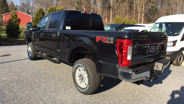 2017 F-250 Crew Cab 4x4, Pickup #Y177358 - photo 2
