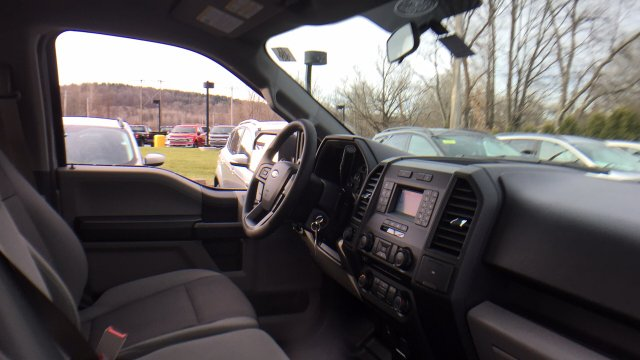 2018 F-150 Crew Cab 4x4, Pickup #Y183006 - photo 24