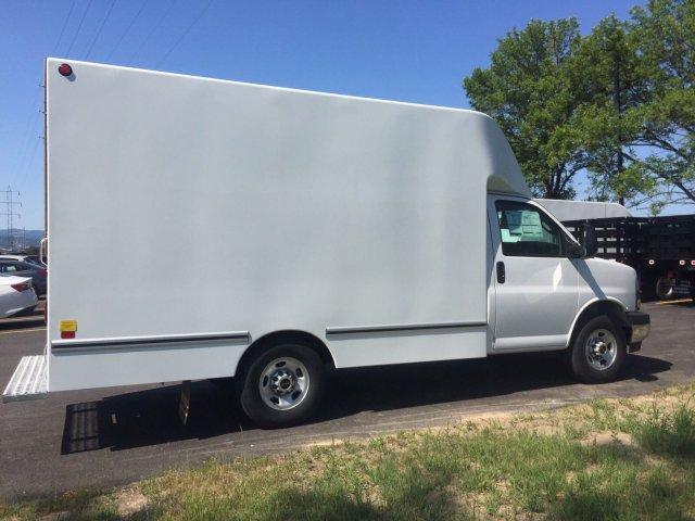 2018 Savana 3500 4x2,  Unicell Cutaway Van #3G8702 - photo 6