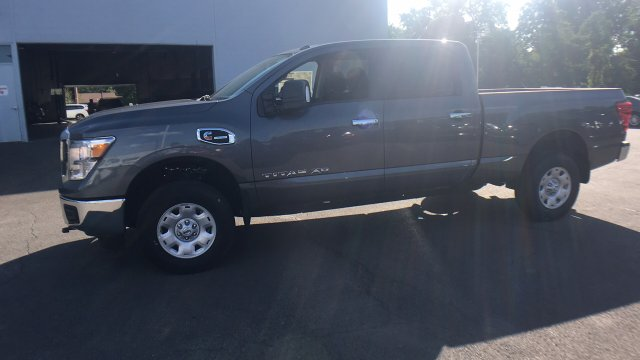 2017 Titan Crew Cab, Pickup #6170015 - photo 6