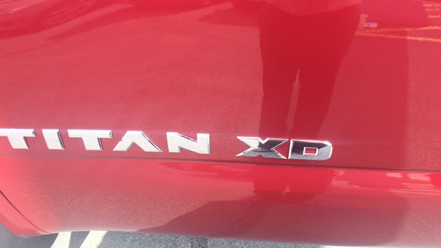 2017 Titan Crew Cab, Pickup #6170016 - photo 7