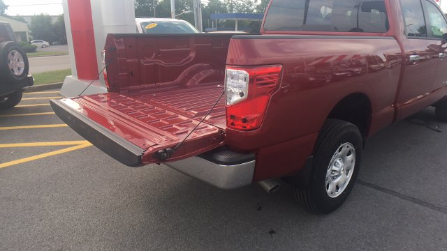 2017 Titan Crew Cab, Pickup #6170016 - photo 39