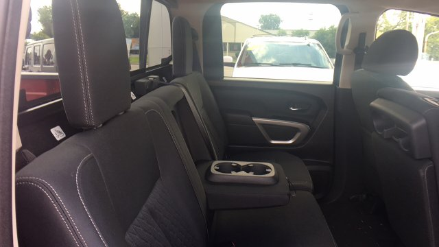 2017 Titan Crew Cab, Pickup #6170016 - photo 43
