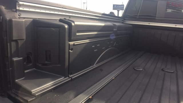 2017 Titan Crew Cab, Pickup #6170028 - photo 28